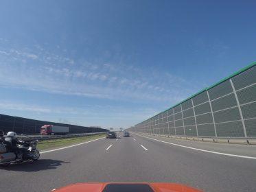 motocykl na autostradzie